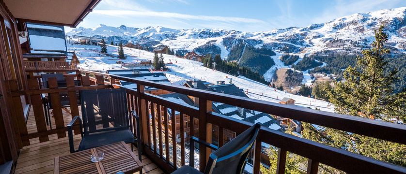 france_montegenevre_hotel_residence_merilys_balcony.jpg